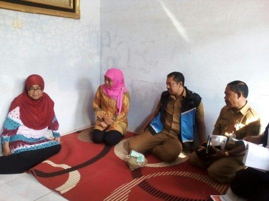 Menteri Sosial Kunjungi Keluarga Alm. Ardi  Kartiarso
