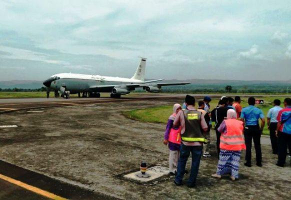 Pesawat Unschedule Milik Militer Usa Mendarat Darurat di Bandara SIM