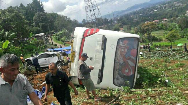 11 Orang Tewas Kecelakaan Maut Ciloto di Jalan Raya Puncak