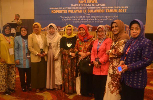 Rektor Perempuan Kopertis IX  Ramaikan  Rakerwil di Kendari