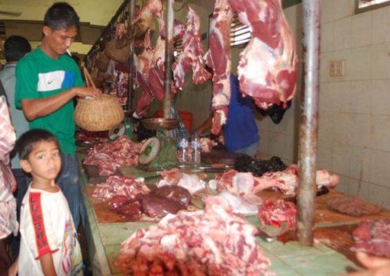 Lima Bulan Jerih Megendap, Sambut Meugang Aparatur Gampong Serbu Geuchik