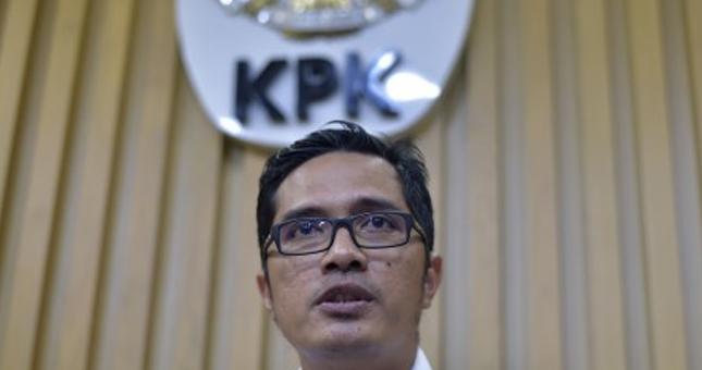 Ditangkap KPK, Ketua DPRD Mojokerto Dibawa ke Jakarta