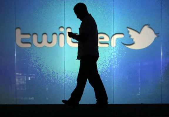 Modus Malam Twitter Otomatis di Android