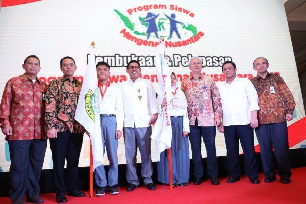 Telkom Melepas 20 Siswa Banten ke Lampung Mengikuti Program Siswa Mengenal Nusantara