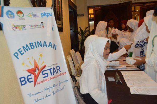 Salurkan Beasiswa Tahap Akhir Pkpu Human Intiative Kaltim Cetak Siswa Siswi Berprestasi