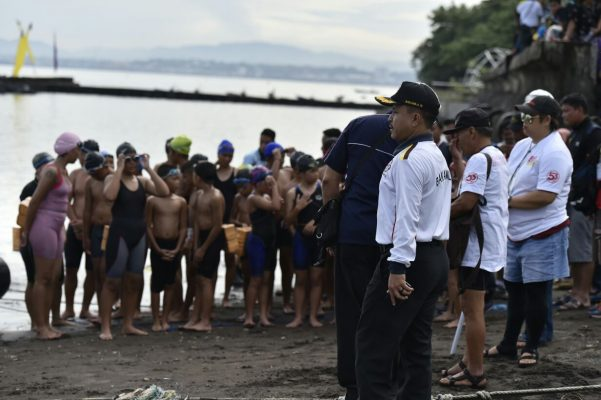 Internasional Fun Swimming 2017, Kazona Tengah Bakamla RI Lepas Peserta di Pantai Kalasey
