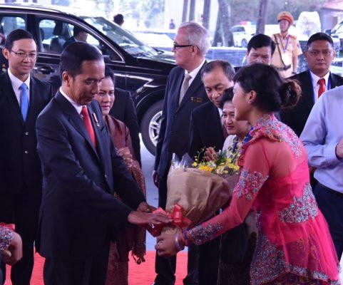 Tiba di Vietnam, Presiden Jokowi Hadiri KTT APEC