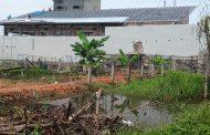 Genangan Air Dari Gudang PT Djarum Rendam Tanah Warga