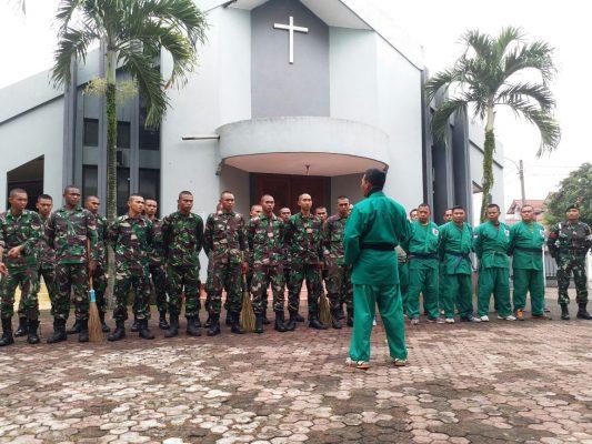 100 Prajurit Bekang Kostrad Serbu Gereja dan Pura