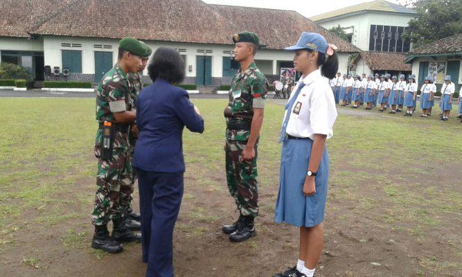 Yonarmed 11 Kostrad Tanamkan Pendidikan Karakter Kepada Siswa SMK Pius X Kota Magelang