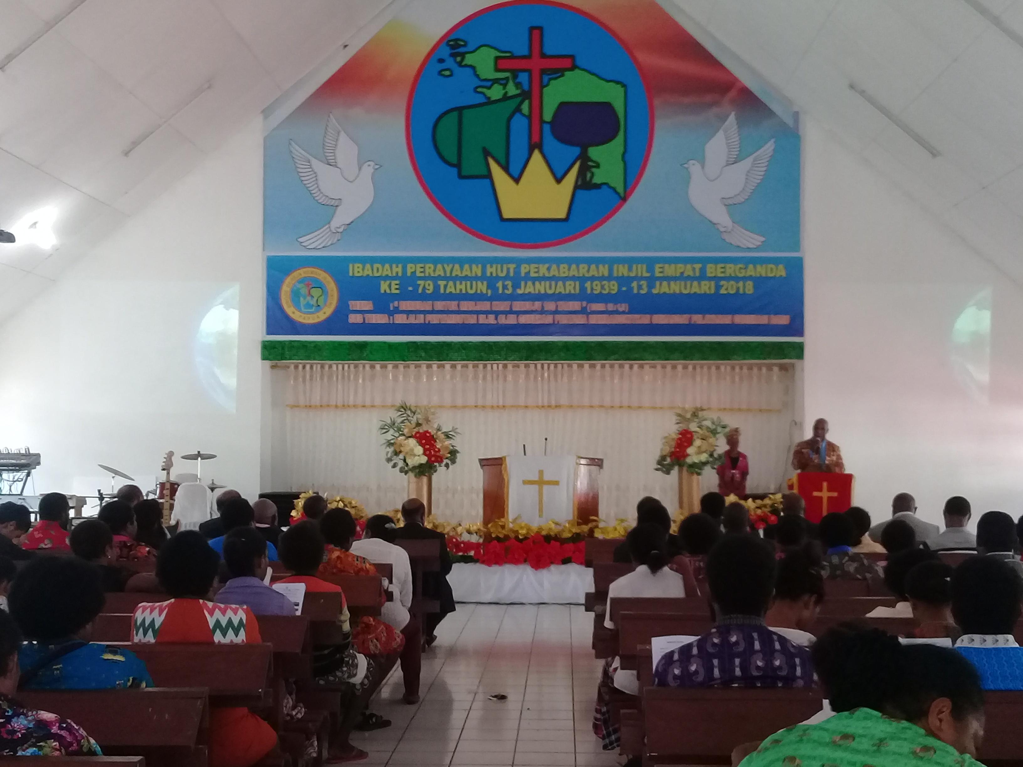Jemaat Gereja Kingmi Eklesia Rayakan  Hut Pekabaran Injil Berganda Ke 79 Tahun
