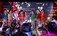 Ny. Nanny Hadi Tjahjanto Hadiri Pagelaran Warisan Busana 35 Tahun Inez Mardiana