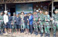 Silaturahmi Prajurit Batalyon Mandala Yudha Kostrad ke Suku Baduy