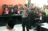 Ratusan Santri Dan Banser Kawal Sidang M.YUNUS Berlangsung Panas