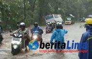 Banjir, Jalur Pantura Baluran Tak Bisa Dilewati dan Ratusan Warga Diungsikan