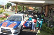 Polisi Sahabat Anak, Satlantas Polres Banyuwangi Kenalkan Cara Berlalu Lintas