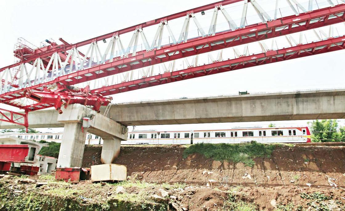 Crane Ambruk, 4 Korban Tewas di Jatinegara