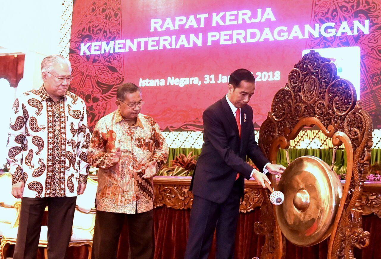 Presiden: Prosedur Ekspor dan Impor Harus Cepat dan Efisien