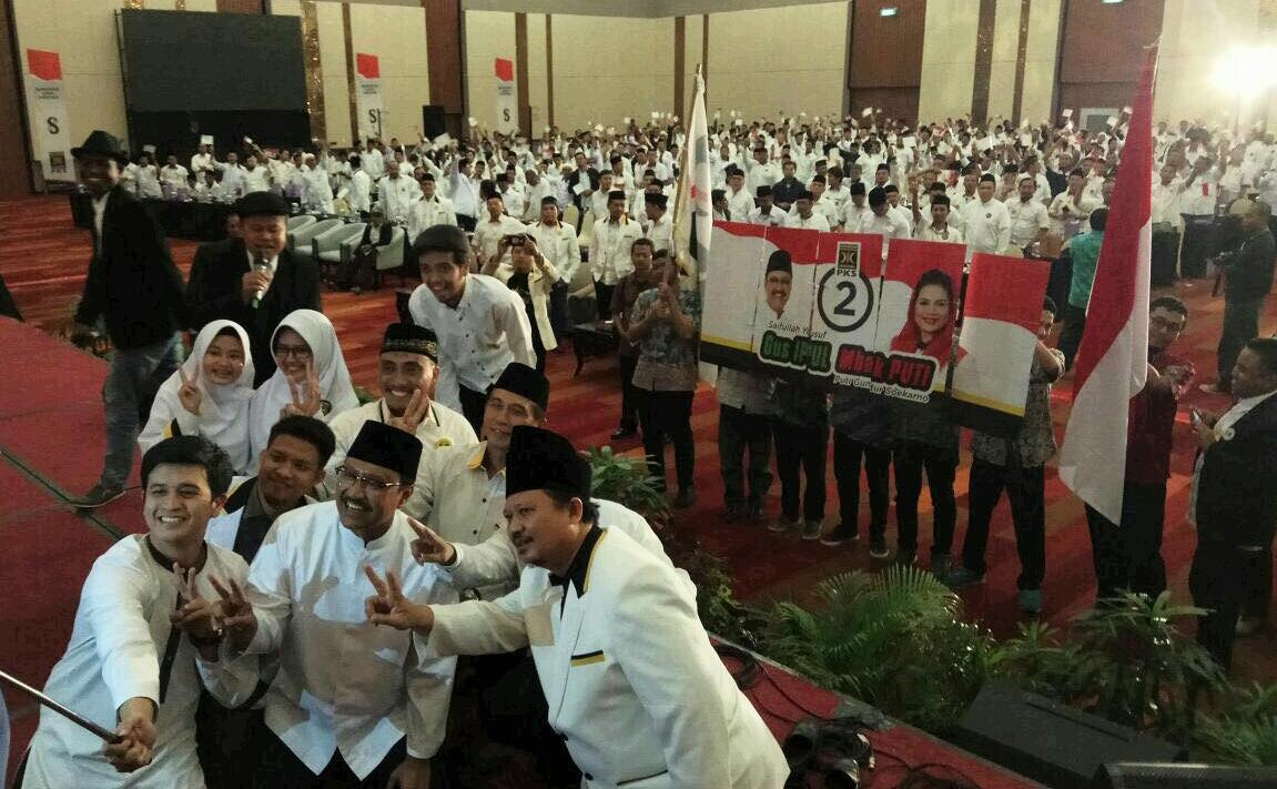 1.000 Bacaleg PKS Ikrar Dukung dan Siap Menangkan Gus Ipul-Puti