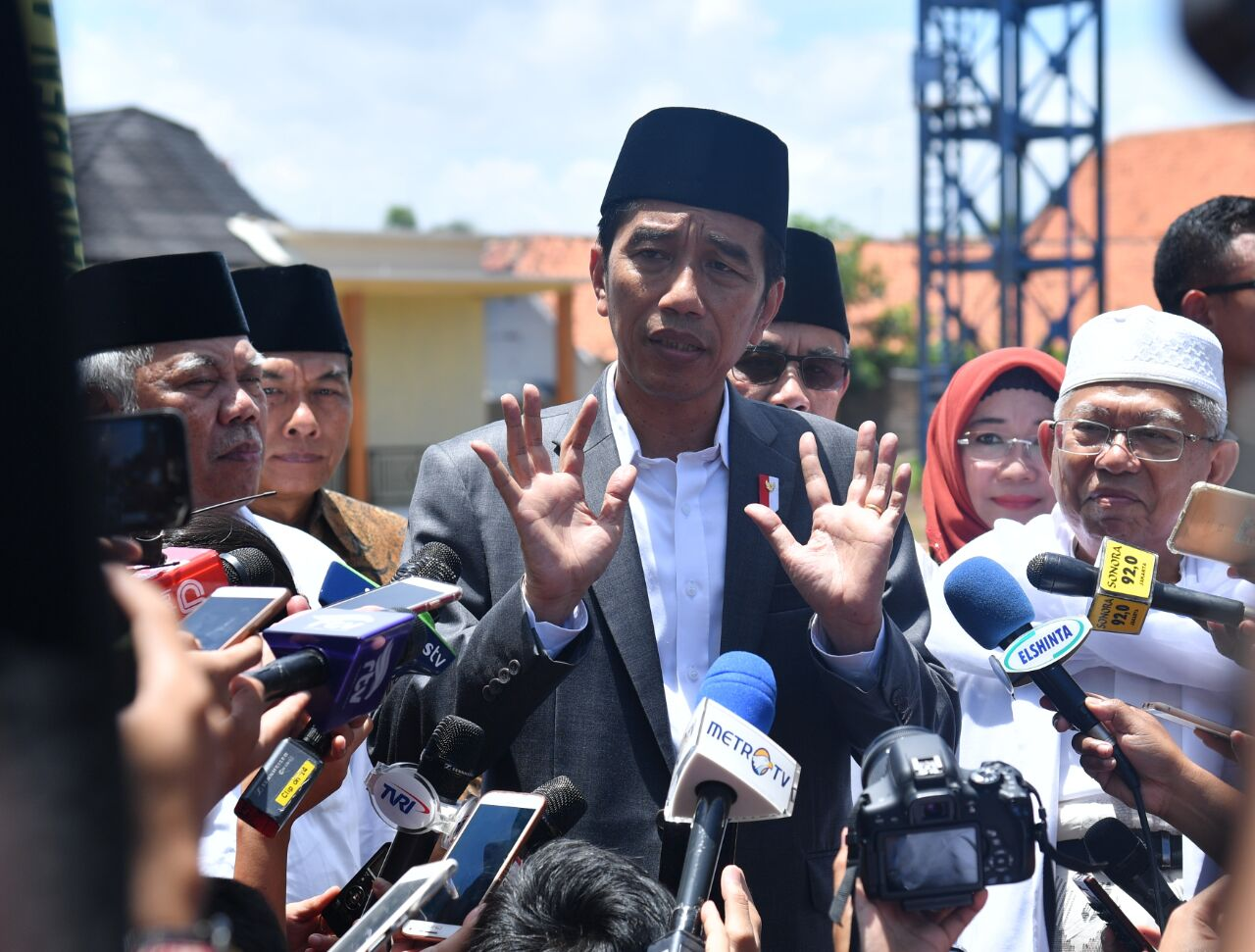 Presiden Ingatkan Masyarakat Bijak Gunakan Dana dari Bank Wakaf Mikro