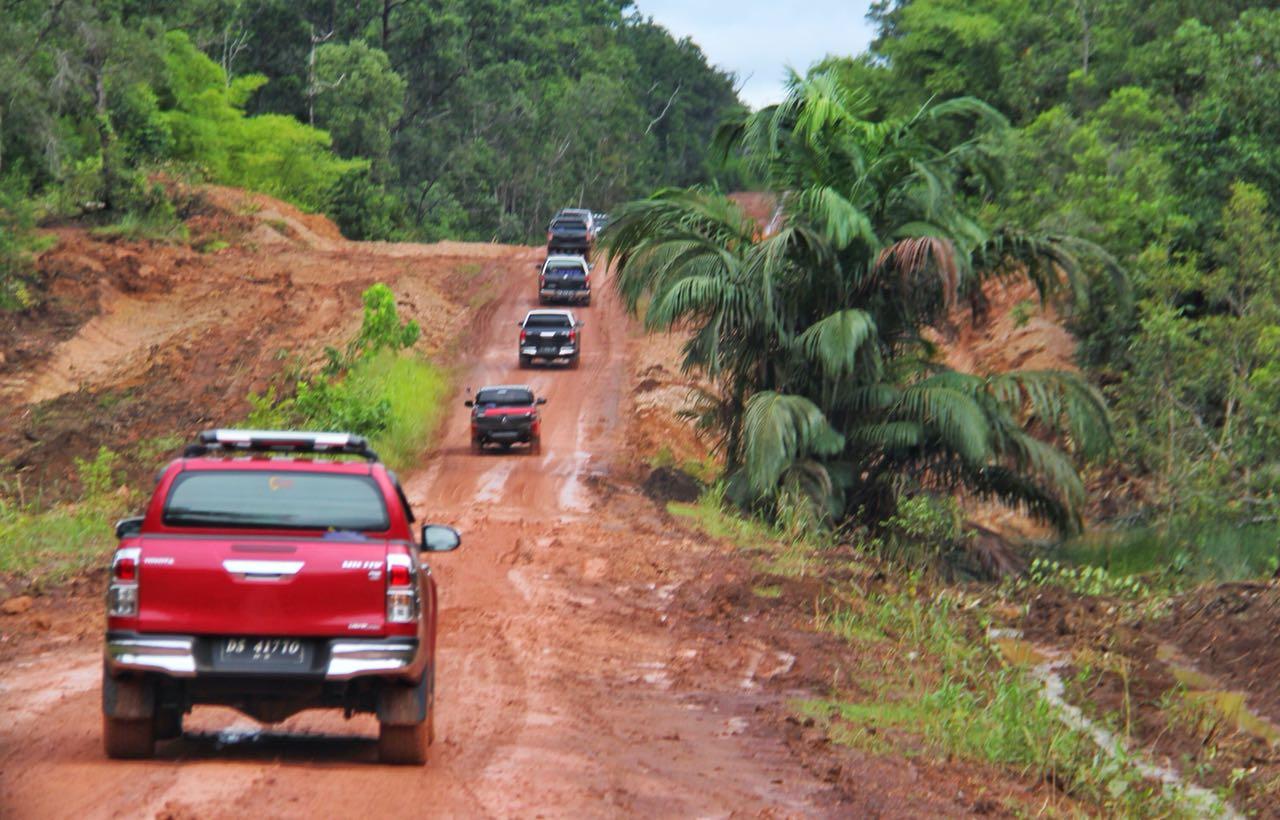Tempuh Merauke – Boven Digul 8 Jam, Menteri Basuki Akan Terus Tingkatkan Kualitas Jalan Perbatasan di Papua