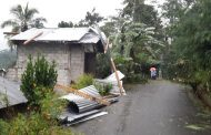Hujan Lebat dan Angin Puting Beliung Menimpa Desa Manggis