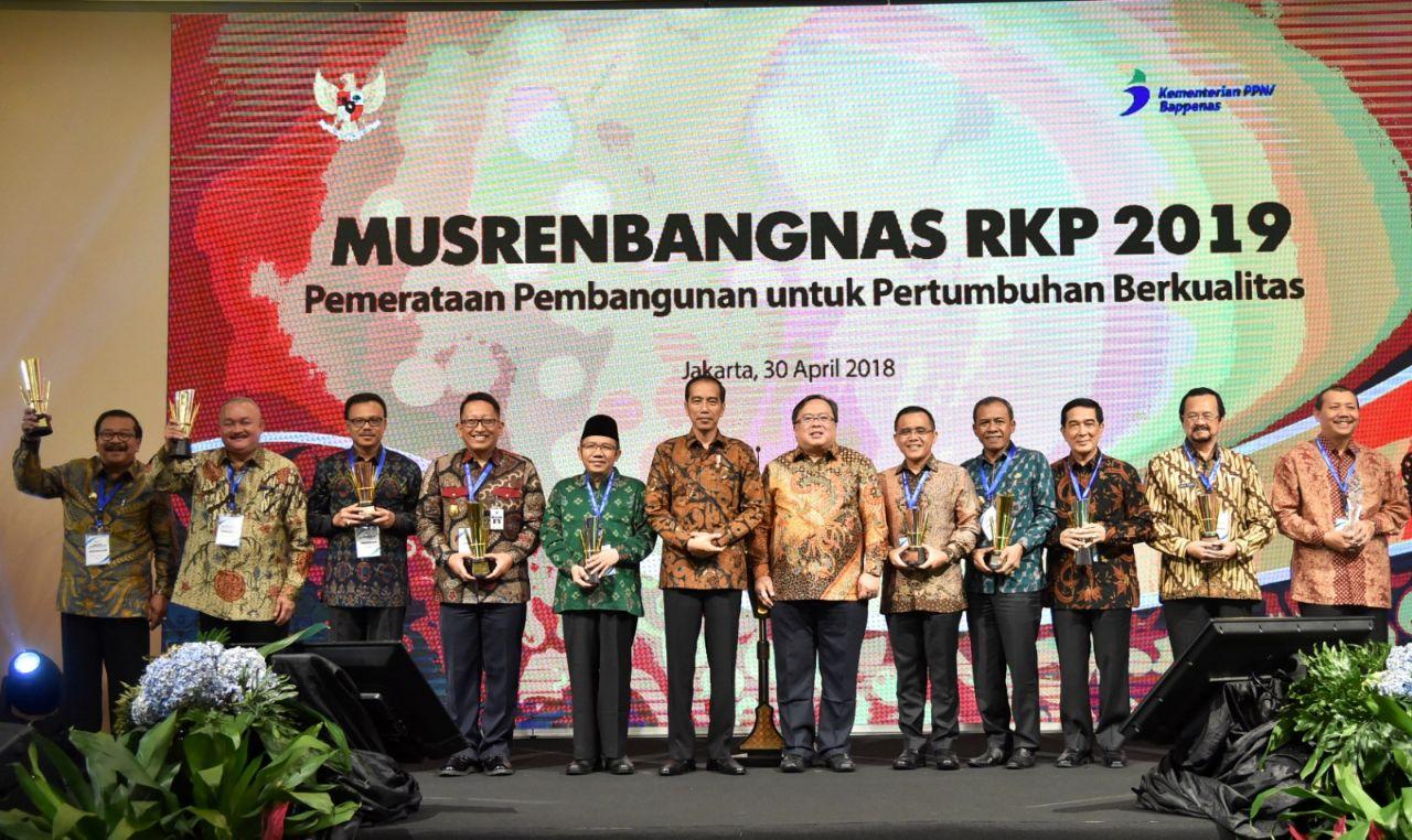 Jatim Raih Penghargaan Pembangunan Daerah Terbaik Pertama Tingkat Nasional
