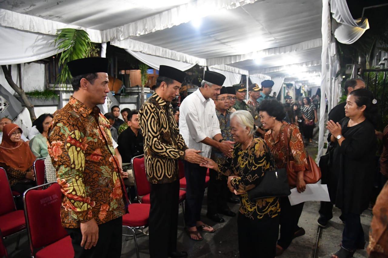 Presiden Jokowi Melayat Besan