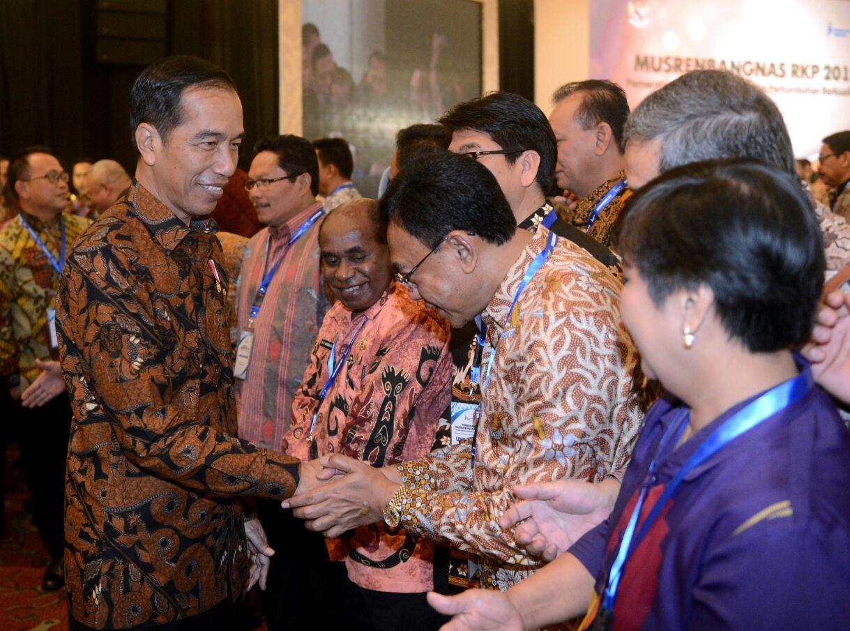 Presiden Jokowi: Bulog Butuh Sosok yang Tegas dan Berani