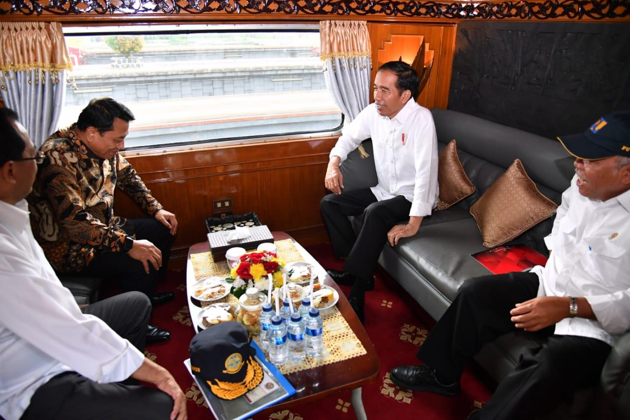 Kunjungan Kerja Ke Sukabumi, Presiden Gunakan Kereta Api