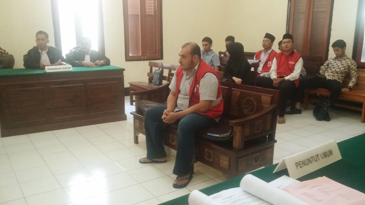 Nipu Berkedok Sebagai Habib Husin Dituntut 1 Tahun 6 Bulan