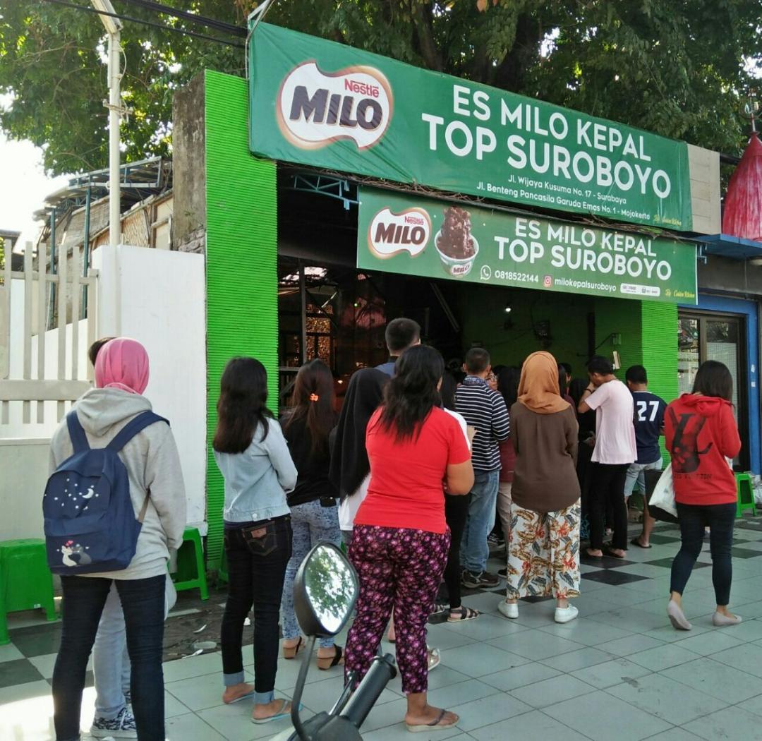 Es Kepal Milo, Kuliner Hits Yang Banyak Diburu Warga Surabaya
