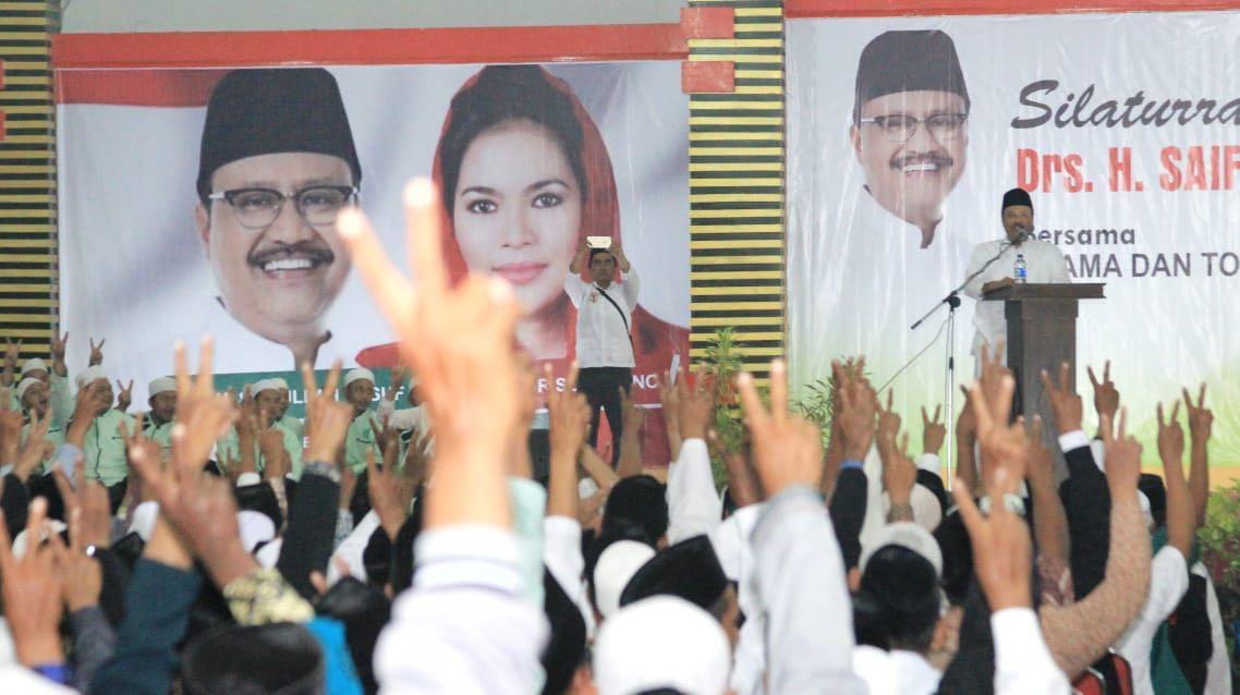 Charta Politika: Pilgub Jatim Sengit Sampai Detik Akhir