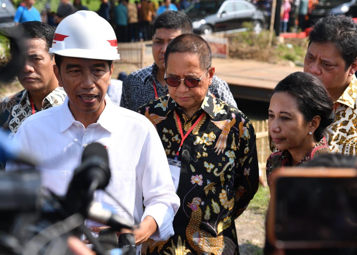 Presiden Pastikan THR Daerah Akan Dibayarkan Tepat Waktu