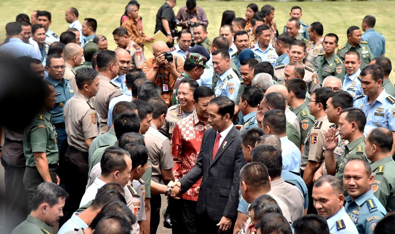 Presiden Ingatkan Perwira TNI-Polri Untuk Ikuti Perkembangan Zaman
