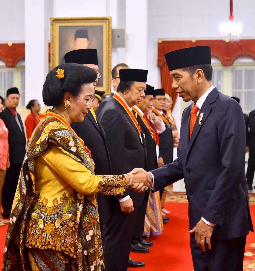 Sambut HUT ke-73 RI, Presiden Jokowi Anugerahkan Sejumlah Tanda Kehormatan