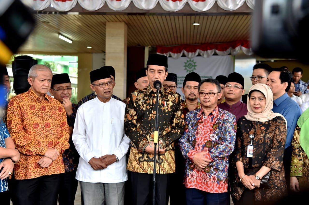 Presiden Silaturahmi dan Serahkan Hewan Kurban kepada PP Muhammadiyah