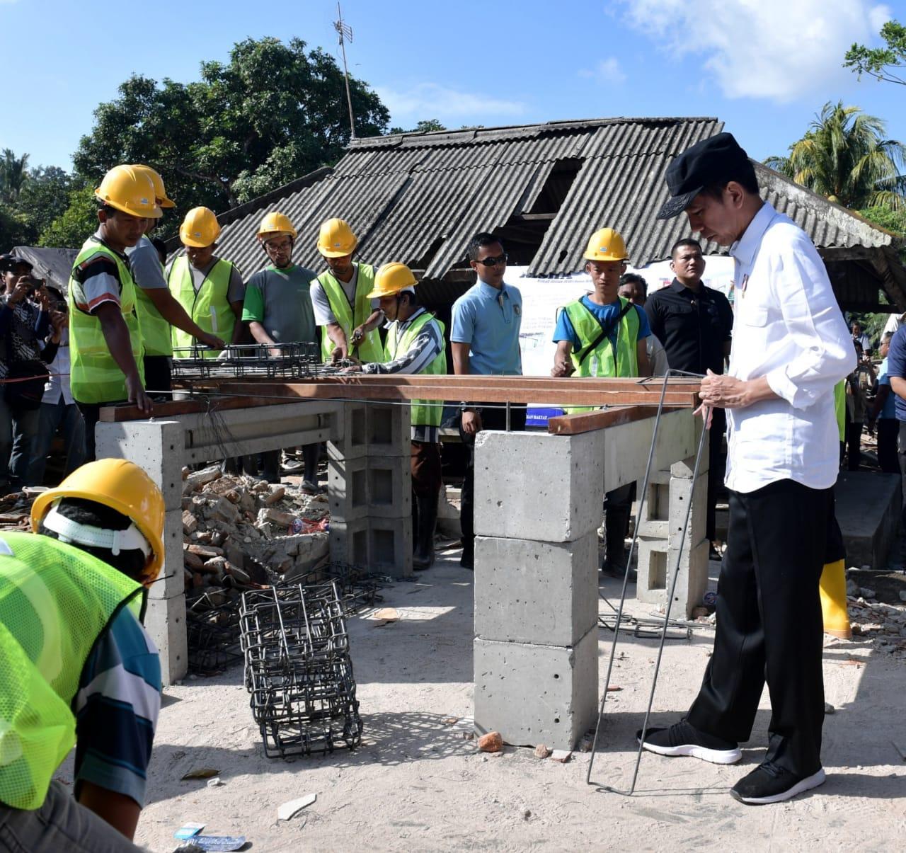 Presiden Tinjau Langsung Sekolah Terdampak Gempa di NTB