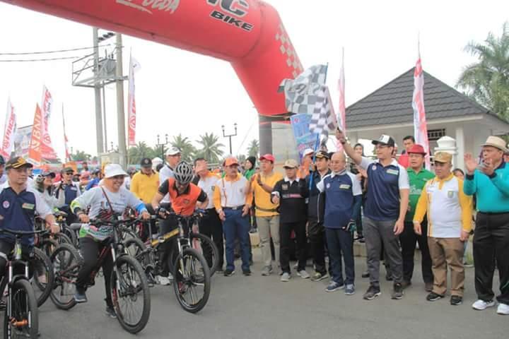 Sekdaprov Hadiri Even Sepeda Nusantara Kabupaten BS