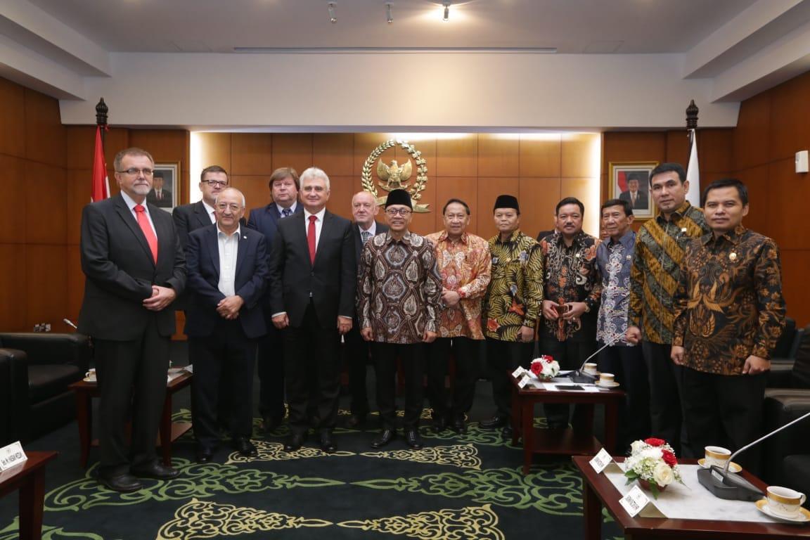 Ketua MPR Harapkan Kerjasama Indonesia-Ceko Meningkat di Ber