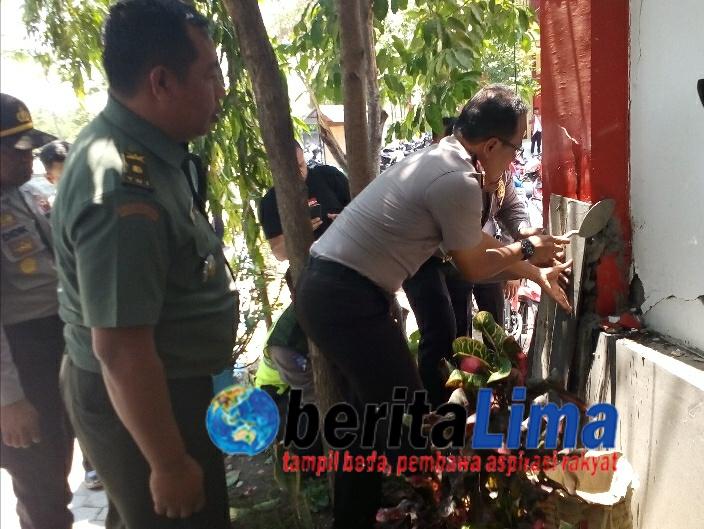 Bangunan SMK  Rusak Akbat Gempa Situbondo, TNI – POLRI Turun Tangan Merenovasi