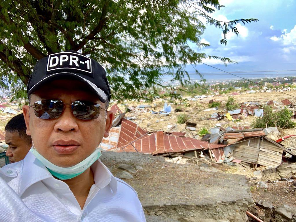 Bamoset Serahkan Bantuan DPR RI dan DPD RI Buat Korban Gempa