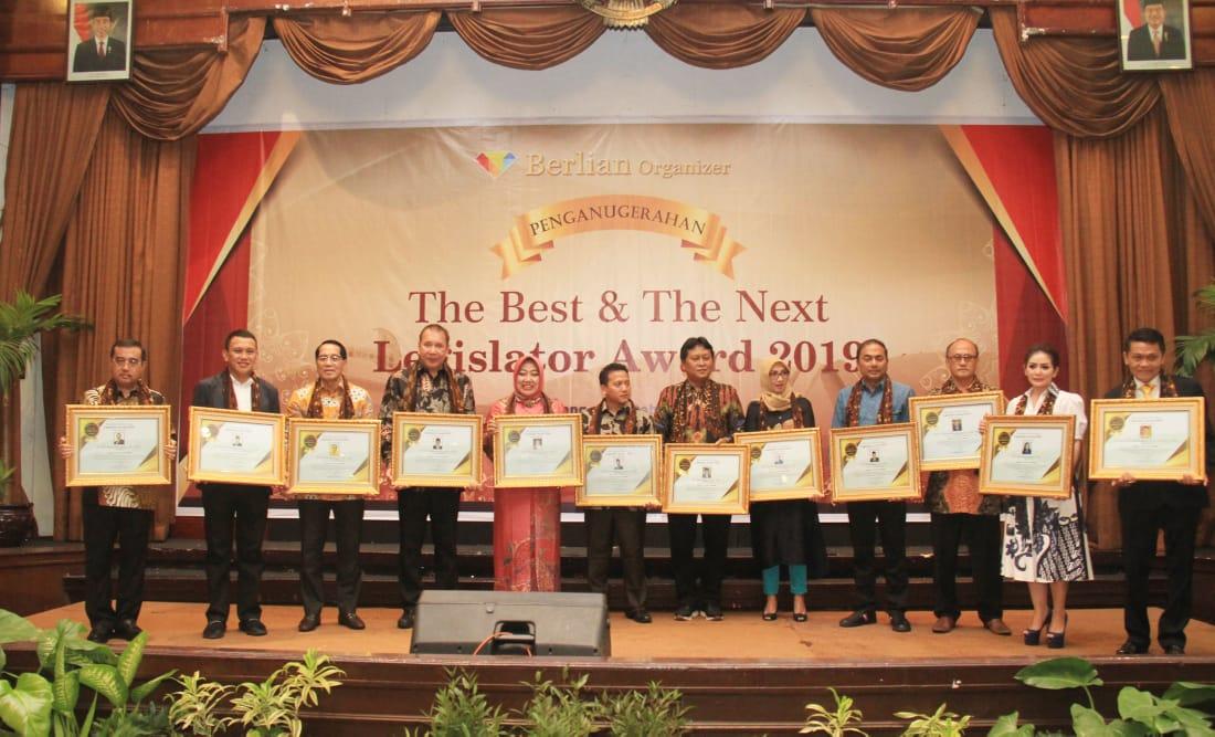 Bamsoet Dianugrahi The Best and The Next Legislator Award 2018