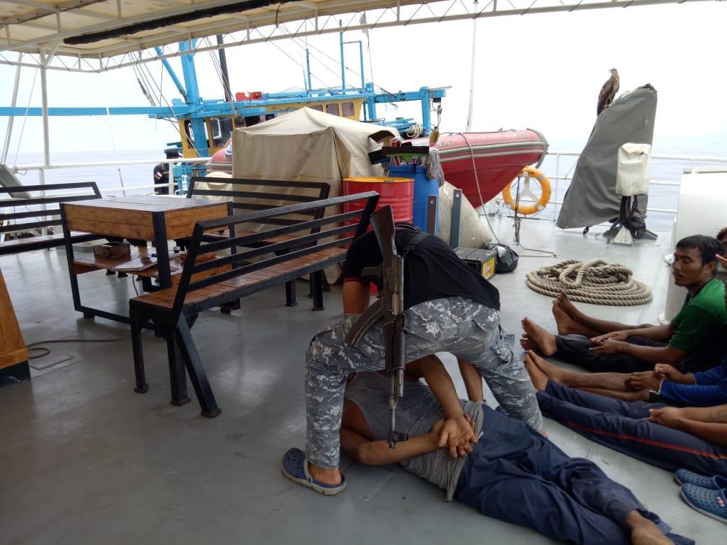 Bakamla RI Tangkap Kapal Ikan Asing Yang Juga Bawa Narkoba di TL. Aru