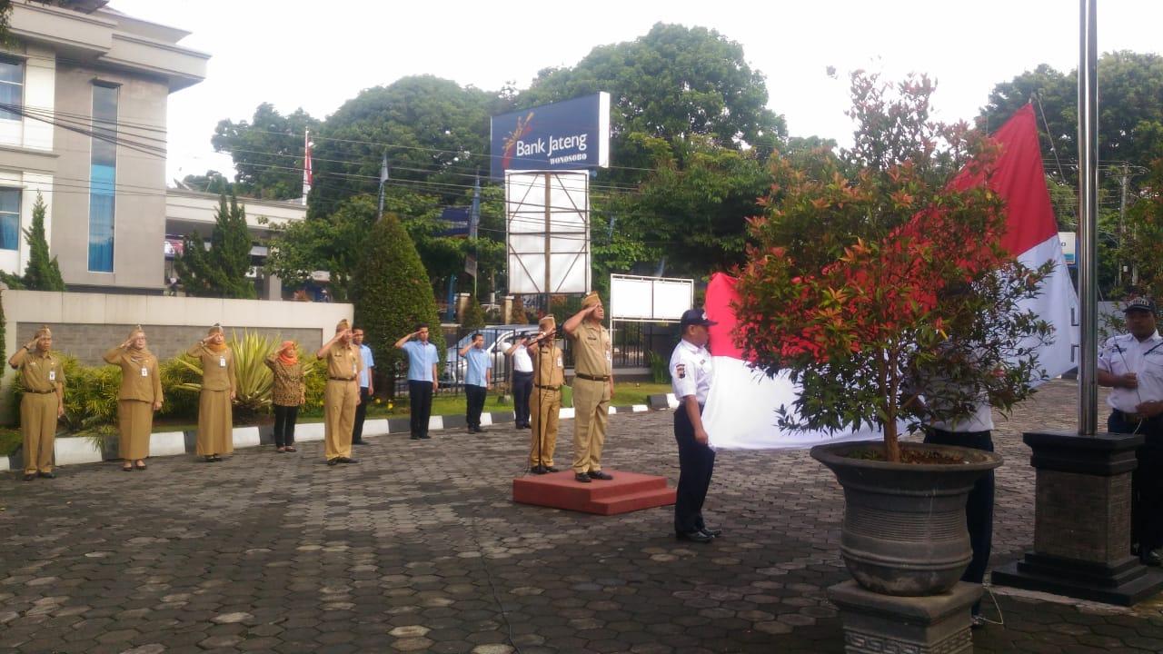Peringati Hari Pahlawan, Sebelum Beri Layanan ke Masyarakat Samsat Wonosobo Laksanakan Ini