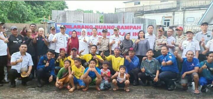 Wakil Walikota Palembang Fitrianti Agustinda Turun langsung untuk Gotong Royong di Rusun 24 Ilir
