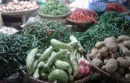 Stabil, Harga Sayuran dan Sembako di Pasar Kertek Jelang Natal dan Tahun Baru