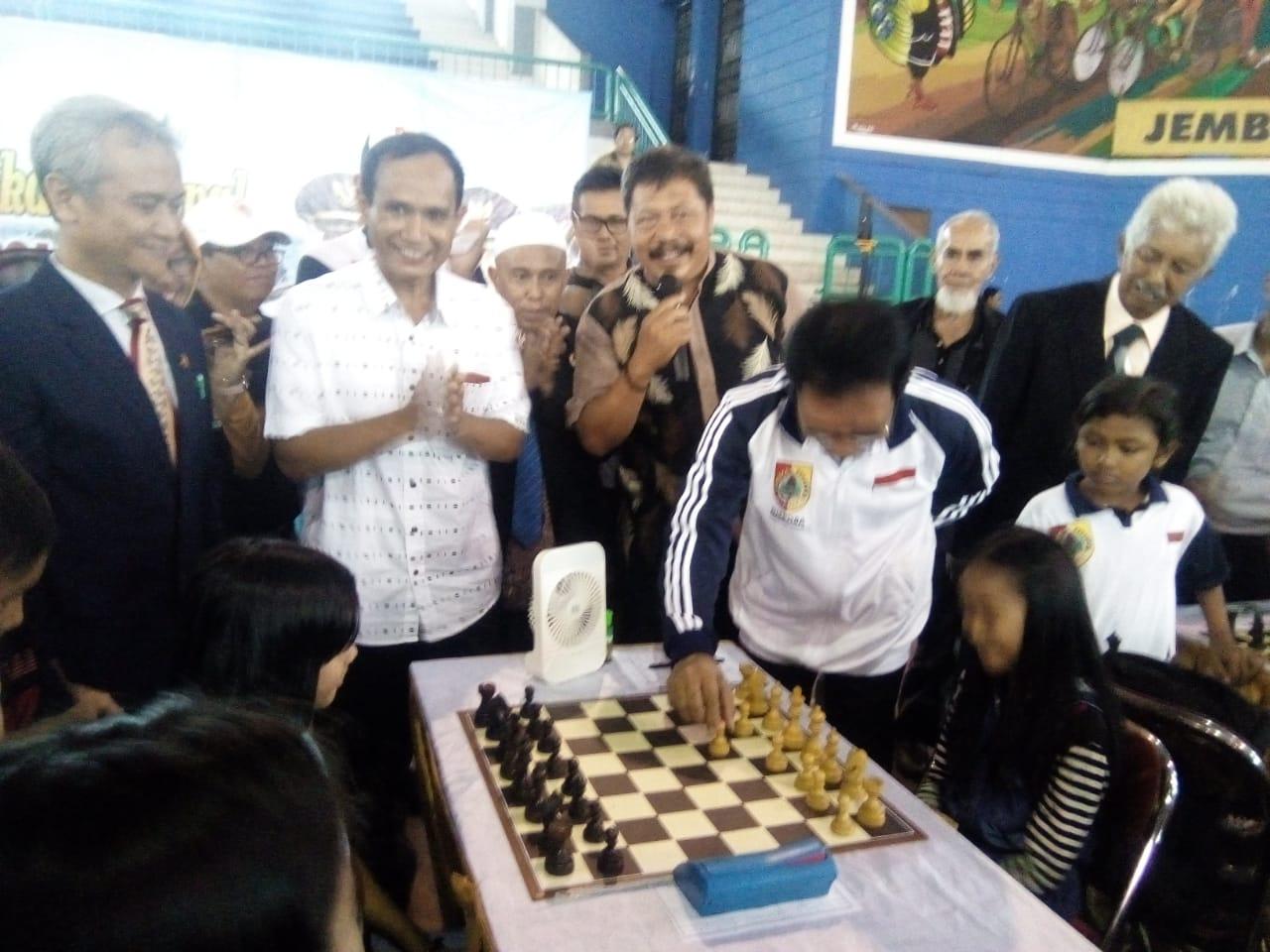 Wabup Buka Kejuaraan Catur Bupati Jember Cup 2018