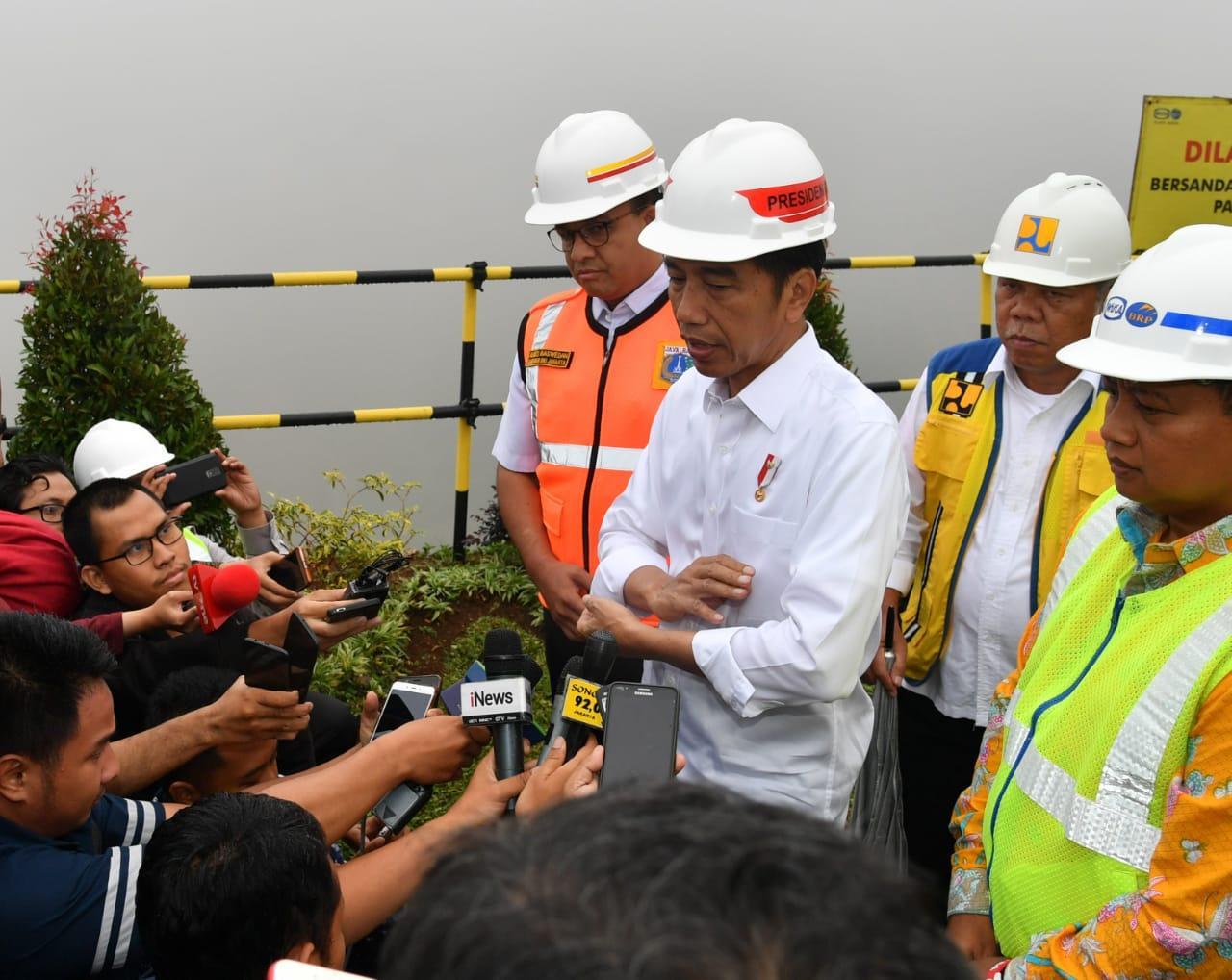 Presiden Jokowi Tinjau Pembangunan Bendungan Sukamahi