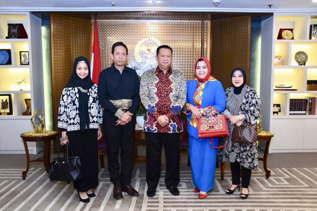 Bamsoet Dorong Hari Batik Jadi Hari Batik dan Tenus Nasional